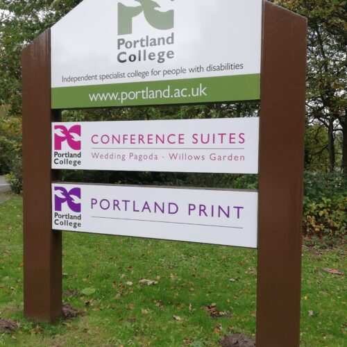 sign posts & outdoor signs